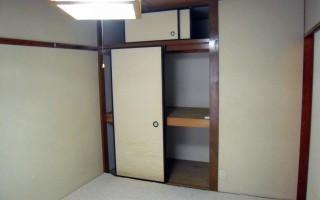 居室2の押入れ